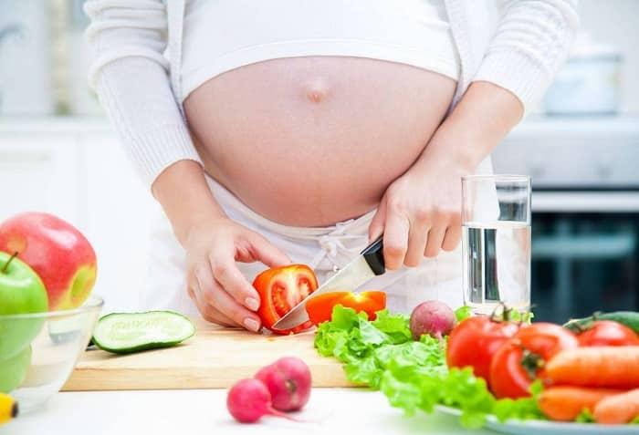 Mẹ cần duy trì cân nặng bằng chế độ ăn uống khoa học