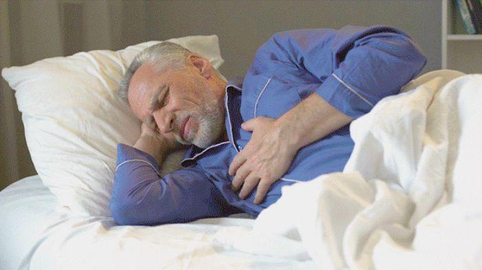 Khi hoạt động mạnh hoặc nằm xuống thường có cảm giác khó thở