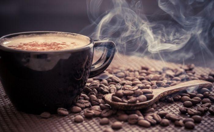 Caffeine là một trong những chất kích thích tự nhiên có rất nhiều trong thành phần của cà phê, trà, cacao