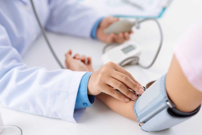 Giúp huyết áp, áp suất thẩm thấu, độ pH của môi trường thiên nhiên bên trong cơ thể được cân bằng