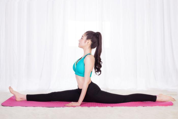 Thường xuyên tập các bài yoga, động tác kéo duỗi chân có tác dụng hỗ trợ khả năng hoạt động của thận