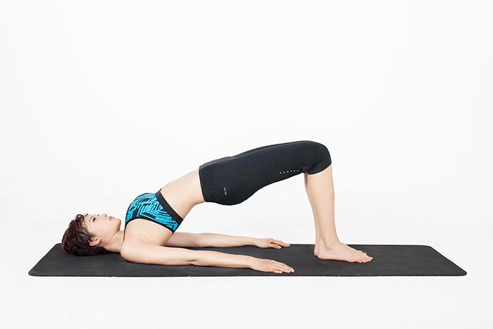Rèn luyện yoga cùng tư thế cây cầu là giải pháp ổn định huyết áp trên cơ thể