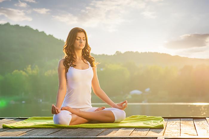 Khởi động Yoga nhẹ nhàng vào buổi sáng giúp bạn thu được nguồn năng lượng tích cực
