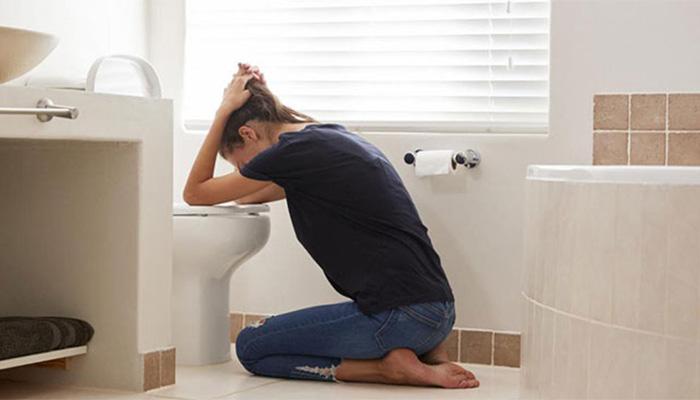 Buồn nôn, chóng mặt, đau đầu là các biểu hiện chính khi huyết áp tâm trương tăng cao