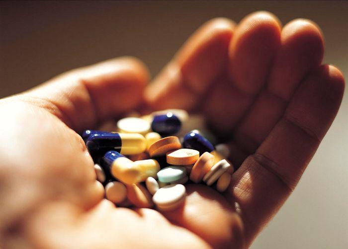 Công dụng của nhóm thuốc này là ức chế tái hấp thu serotonin và norepinephrine