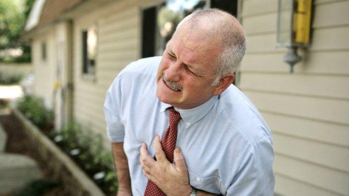 Vì sao người cao tuổi hay bị cao huyết áp?