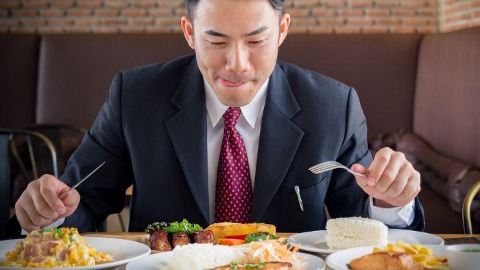 Chế độ dinh dưỡng đóng vai trò rất quan trọng trong quá trình giúp phòng ngừa và kiểm soát bệnh cao huyết áp