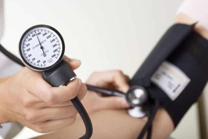 Biến chứng mờ mắt xuất hiện khi huyết áp đo được từ 140/90mmHg trở lên