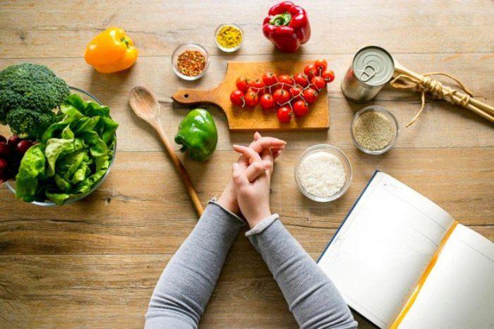 Một chế độ ăn uống lành mạnh là rất cần thiết cho người cao huyết áp