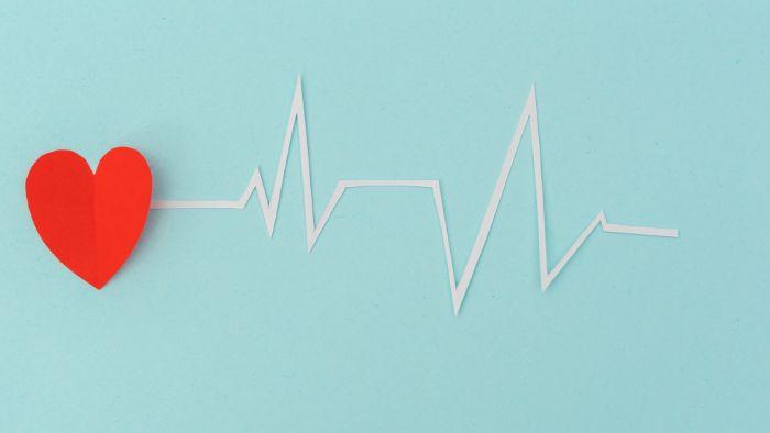 Nhịp tim bình thường ở người trưởng thành dao động từ 60 - 80 nhịp/phút