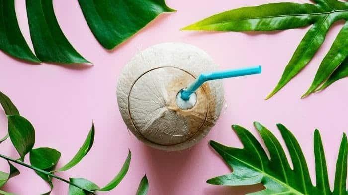 Mẹ bầu không nên uống nước dừa khi bị tiểu đường thai kỳ