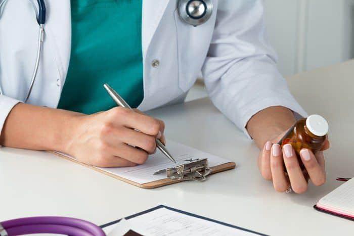 Bạn nên hỏi ý kiến của bác sĩ chuyên khoa trước khi sử dụng thuốc chẹn canxi