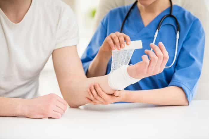 Chăm sóc vết thương cho người tiểu đường