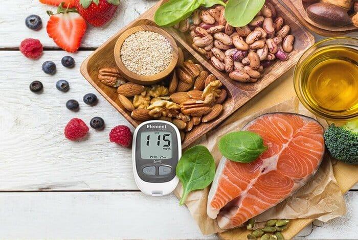 Dinh dưỡng là yếu tố quan trọng trong ddeiefu trị bệnh tiểu đường