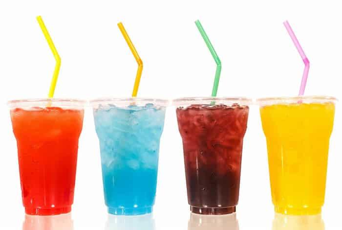 Các loại nước uống đóng chai chứa rất nhiều đường hóa học tạo ra các đường tăng cường