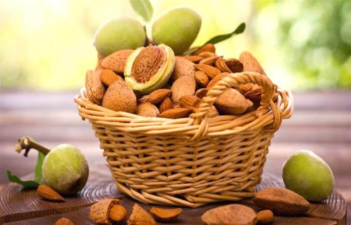 Hạnh nhân là một loại hạt có ích, được khuyên dùng cho người bệnh tiểu đường
