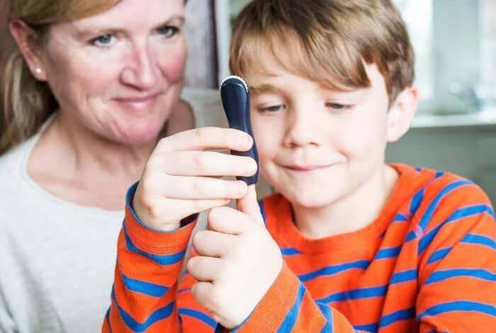 Nhiều bậc cha mẹ phát hoảng khi thấy con có biểu hiện của bệnh tiểu đường