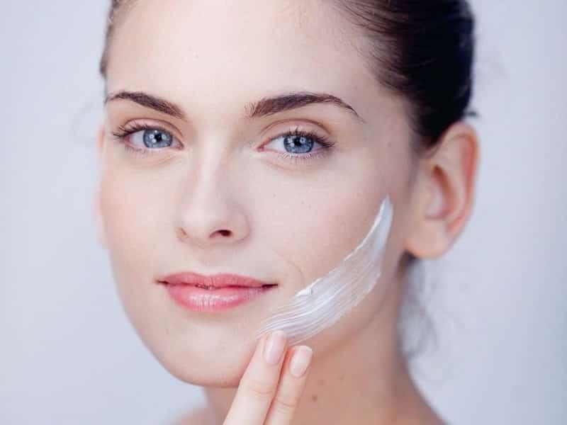 Chăm sóc da là cách làm mờ mạch máu trên da mặt đơn giản
