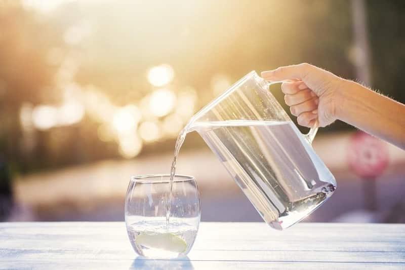 Uống nhiều nước mỗi ngày, chú ý khung giờ vàng
