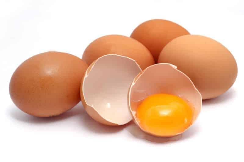 máu nhiễm mỡ có ăn được trứng không